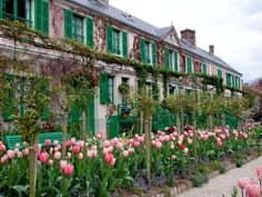 Claude Monet's House in Giverny, France Claude Monet, Love Garden, Garden Art, Garden Design, Beautiful Gardens, Beautiful Flowers, Beautiful Places, Giverny France, Monet Giverny