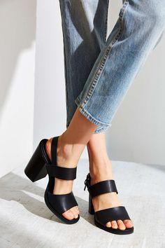 Clean Strap Heel