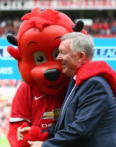 @manutd mascot Fred the Red with Sir Alex.