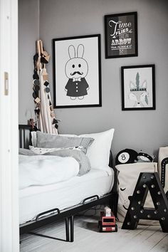 White & bright home featured on house of valentina Kid Spaces, Living Spaces, Ideas Hogar, Bright Homes, Workspace Inspiration, Kids Decor, Girl Room, Kids Bedroom, Toddler Bed