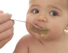 Weaning a baby gets sticky, mushy, gooey, sloppy and slimy. But once mastered weaning a baby can be delightful and exciting time for all. Porridge Recipes, Pudding Recipes, Toddler Meals, Kids Meals, Toddler Food, Baby Solid Food, Baby First Foods, Baby Foods, Kid Foods