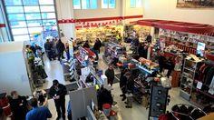 Lännen Center - Helmikonepäivät 2015 #Lännen #Lundberg #Ljungby #Valtra #Dynaset #Indexator #DanskeBank #NokianRenkaat #Uddeholm