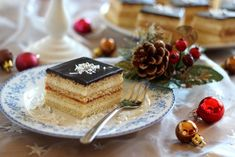 Egy finom Kókuszos mézes krémes ebédre vagy vacsorára? Kókuszos mézes krémes Receptek a Mindmegette.hu Recept gyűjteményében! Hungarian Cuisine, Individual Cakes, Cake Cookies, Tiramisu, Kitchen Decor, Cheesecake, Sweets, Dishes, Ethnic Recipes