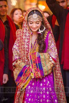 Bridal Mehndi Dresses, Pakistani Wedding Outfits, Bridal Dress Design, Pakistani Bridal Dresses, Pakistani Wedding Dresses, Indian Dresses, Indian Suits, Bridal Style, Pakistan Bride