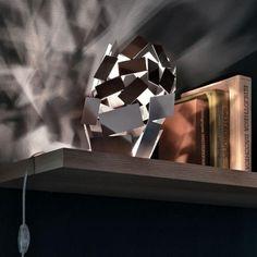 Alessi La Stanza dello Scirocco tafellamp. Een kunstwerk op zich. #Alessi #tafellamp #verlichting #Flinders #design