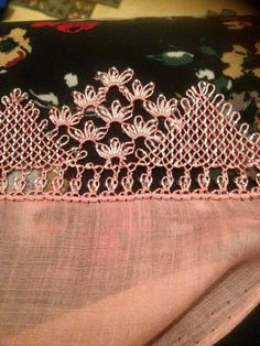 This Pin was discovered by İfa Needle Lace, Needle And Thread, Crochet Hammock, Crochet Unique, Diy And Crafts, Arts And Crafts, Tatting Tutorial, Lacemaking, Tatting Patterns