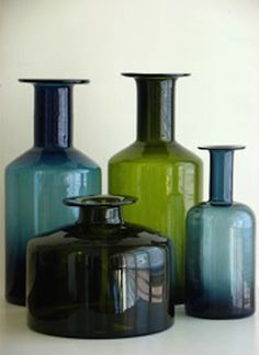love the colors of these glass vases Antique Bottles, Vintage Bottles, Bottles And Jars, Mason Jars, Vintage Perfume, Perfume Bottles, Apothecary Bottles, Antique Glassware, Colored Glass Bottles
