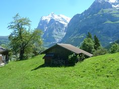 Stunning day hiking in the Swiss Alps - Warm 30 degree day in June 2016