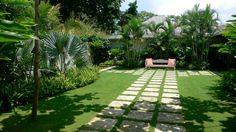 modern landscape design | large backyard modern A Few Handy Modern Backyard Design Tips