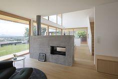 Haus DB Klaus — ARCHITEKTUR Jürgen Hagspiel Dream Home Design, House Design, Concrete Wood, House On A Hill, Cabana, Foyer, House Plans, Windows, Architecture