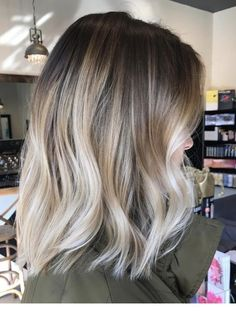 33 balayage hair for short hair - The best trends for short hair with balayage. 33 balayage hair for short hair - The best trends for short hair with balayage - Ombre Hair Color, Hair Color Balayage, Brunette Color, Cool Blonde Balayage, Baylage Blonde, Fall Blonde Hair Color, Fall Balayage, Balayage Highlights, Baylage Ombre