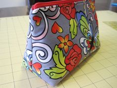 Sweet Bee Buzzings: Zip Along: Straight-Sided Flat-Bottomed Pouch