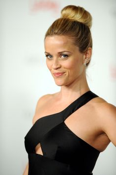 Reese Witherspoon working the bun Reese Witherspoon Movie Star