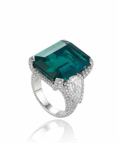 Chopard Red Carpet Collection Emerald and Diamond Ring