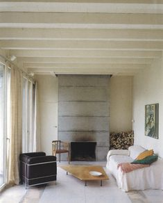 Two single-family houses - Hidden Architecture Swiss Architecture, Interior Architecture, Le Corbusier, Interior Walls, Interior And Exterior, Interior Styling, Interior Design, Concrete Fireplace, Large Homes