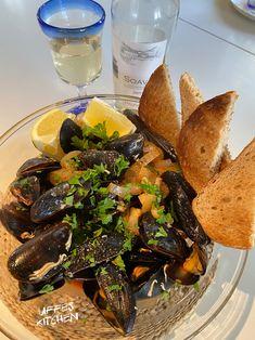 Pot Roast, Pesto, Ethnic Recipes, Kitchen, Food, Carne Asada, Roast Beef, Cooking, Kitchens
