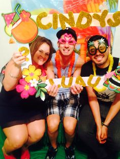 Diy party frame and photo booth for tiki/luau party