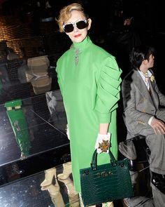 Mari Natsuki in Milan for the Gucci Fall Winter 2019 show by Alessandro Michele. Gucci Fashion, High Fashion, Fashion Show, Fashion Outfits, Womens Fashion, Balenciaga, Givenchy, Valentino, Single Mum