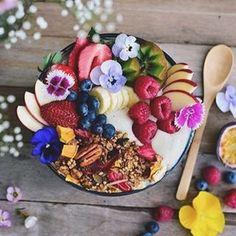 vegan-recipes-only: Superfood Granola - Life of an Astrophile Superfood, Good Food, Yummy Food, Breakfast Bowls, Breakfast Healthy, Breakfast Fruit, Mexican Breakfast, Breakfast Muffins, Breakfast Smoothies