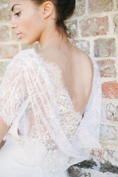Claire Pettibone open back wedding dress Photo credit : Izzie Rae Photography