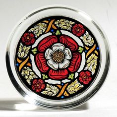 Tudor Rose paperweight but I think the design would make a beautiful tattoo. Tudor Rose, Historical Images, Beautiful Tattoos, Paper Weights, Tatting, Stationery, Luxury, Zentangles, Royals