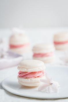 KLITZEKLEIN | Perfekte Macarons wann immer ich mag, zu jeder Zeit und für die Ewigkeit – Die italienische Variante mit französischer Buttercreme | http://www.klitzekleinesblog.de