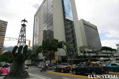 Mediante la emisión de certificados y pagarés y la petición de préstamos, el Banco Central de Venezuela (BCV), la Oficina Nacional del Tesoro (ONT), el Banco de Venezuela, el Banco del Tesoro, el Banco Bicentenario y el Fondo Simón Bolívar para la Reconstrucción han inyectado recursos a la estatal a largo de siete años.