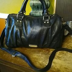 """Steve Madden Satchel Pretty soft supple faux leather zip top satchel in black with gold hardware. Short strap drop is 6"""" long strap drop is 21"""" and it is adjustable and removable. Bag is 9x13x6 Steve Madden Bags Satchels"""