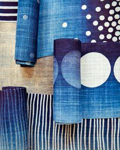 Indigo dyeing with resist (nice alternative to shibori) Textile Design, Textile Art, Fabric Design, Bleu Indigo, Indigo Dye, Fabric Painting, Fabric Art, Blue Fabric, Shibori Fabric