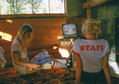 summer camp A Special Look at Camp Collections Sum - Camping Aesthetic, 80s Aesthetic, Summer Aesthetic, Camping Parties, Camping Theme, Go Camping, Camping Desserts, Camping Snacks, Camping Packing