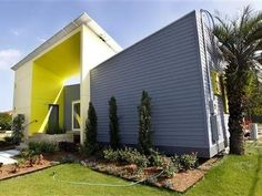 House in a box may offer post-hurricane solutionDaily CometIt's designed to be environmentally friendly, survive outside damaged utility grids and can be shipped in pieces in a single container and assembled like an erector set.House in a box may offer post-hurricane solution | DailyComet.com