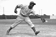 Jackie Robinson: The Life of 42 Best Baseball Player, Baseball League, Better Baseball, Baseball Photos, Sports Photos, Baseball Cards, Officer Training School, 1936 Olympics, Dodgers Win