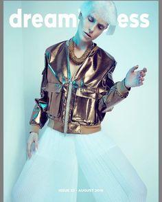 #neweditorial #futureraw #outnow #loveit #cover of the new edition @dreamingless ➖➖➖➖➖➖➖➖➖➖➖➖➖➖➖ Wigs & Make Up #melaniehoppe  Using #maccosmetics #davines Photographer @christina_kapl_photography  Styling @taminavonribaupierre  Model @tiffanywinteler