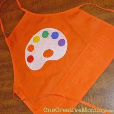 DIY art aprons - so cute for an art party! Art Birthday, Birthday Ideas, Birthday Parties, Art Smock, Kids Apron, Rainbow Art, Art Party, Diy Craft Projects, Sewing Projects