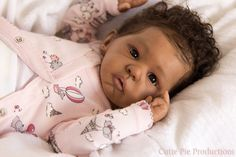 Sweet Melody Prototype. Sculpted by Laura Tuzio-Ross. Reborned by Kate Charles of Cutie Pie Productions. Real Looking Baby Dolls, Life Like Baby Dolls, Life Like Babies, Real Baby Dolls, Black Baby Dolls, Realistic Baby Dolls, Reborn Babies For Sale, Reborn Toddler Girl, African American Baby Dolls