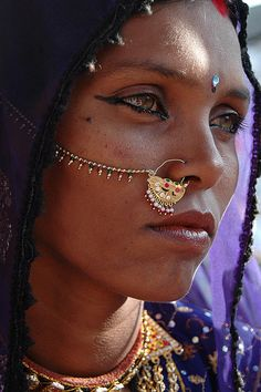 Gypsy women, draw on photos, beauty around the world, model face, incredibl Yoga Studio Design, Yoga Inspiration, Writing With Color, Beautiful Eyes, Beautiful People, Skin Girl, Gypsy Women, Vintage Gypsy, Beauty Around The World