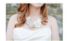 新婦にピッタリの花を使ったネックレスの作り方 | 結婚式 DIY&ハンドメイド作り方