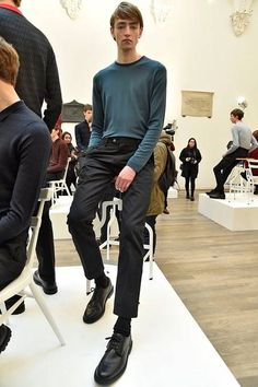See all the Collection photos from John Smedley Autumn/Winter 2016 Menswear now on British Vogue Fall Winter, Autumn, Mens Fashion, Fashion Trends, Men Casual, Menswear, Vogue, London, Collections