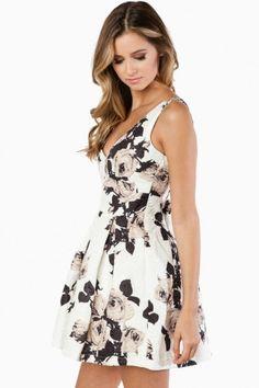 rose dress// Love the print//