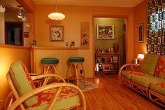 Living room with bar Vintage Tiki, Vintage Room, Vintage Hawaiian, Hawaiian Decor, Living Tv, My Living Room, Tiki Hut, Tiki Tiki, Tiki Decor