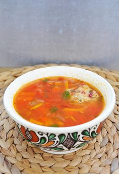 This vegan beetball soup will remind you of the original meatball soup! It has the same taste and texture, minus the bad parts of consuming animal products. Vegan Lentil Recipes, Vegan Soups, Vegetarian Recipes, Healthy Recipes, Vegan Food, Lentil Tacos, Vegan Meatballs, Meatball Soup, Tortilla Wraps