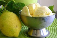 Varomeando: Helado de limón                                                                                                                                                                                 Más Lemon Custard Ice Cream, Gelato Recipe, Thermomix Desserts, Cold Desserts, Cooking Chef, Drinks Alcohol Recipes, Food N, Ice Cream Recipes, I Love Food