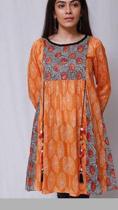 Girls Dresses Sewing, Stylish Dresses For Girls, Frocks For Girls, Beautiful Pakistani Dresses, Pakistani Dresses Casual, Pakistani Dress Design, Baby Girl Dress Design, Girls Frock Design, Beautiful Dress Designs