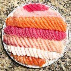 Was craving sashimi, so I got sashimi. Life can be simple sometimes. ❤️ #VENTURELIKEME . . . . . . . . . . . . . . . . . . . . . . . . . . . . . . #sashimi #sushi #salmon #tuna #yellowtail #sashimiplatter #joongboomarket #wednesday #humpday #deals #cravings #fabfoodchicago #zipkick #zipkickbloggers