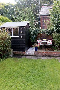 Swoon Worthy - Boho Garden Reveal - Small Patio with black shed Small Backyard Gardens, Backyard Sheds, Small Backyard Landscaping, Small Patio, Small Gardens, Outdoor Gardens, Small Garden With Shed, Garden Sheds, Pergola