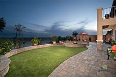 Butler Rear Yard Makeover 2016 HNA Awards Winner - Combination of Hardscape Products - Residential (size less than 4,000 sf)