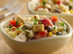 Dinner ready in just 25 minutes! Try this chicken ranch pasta salad made using Betty Crocker® Suddenly Salad® ranch and bacon salad mix. Throw in Southwestern flavors with Green Giant® SteamCrisp® corn.