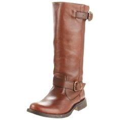 I bought these boots in brown in no lie. I had no idea that Steven Madden still made these - now autumns/winters, with the snow and the salt, they're still holding stg. The leather is great quality Steve Madden Stiefel, Steve Madden Boots, Crazy Shoes, Me Too Shoes, Most Comfortable Shoes, Cute Boots, Look Fashion, Fall Fashion, Look Cool
