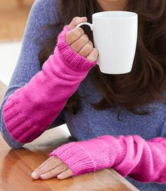 Free knitting pattern for Rise and Shine Arm Warmers Crochet Mittens Pattern, Easy Knitting Patterns, Knit Mittens, Free Knitting, Knitting Socks, Fingerless Gloves Knitted, Crochet Gloves, Couture, Arm Warmers
