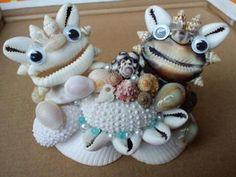 ウニウニと貝殻シーサー